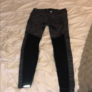 Lululemon leggings with pocket